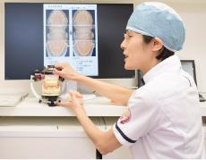女性歯科医師による丁寧な診療・カウンセリング